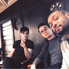 Matthew/Alec, Alberto/Simon e Isaiah/Luke pasando el rato. #Shadowhunters