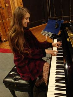 Joanna Newsom at Fantasy Studios a while back. She's looking and sounding beautiful!