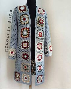 vielfalt-des-granny-square-video-muster-croch-grannysquareponcho-v/ - The world's most private search engine Crochet Cardigan Pattern, Crochet Jacket, Crochet Poncho, Granny Square Sweater, Sunburst Granny Square, Granny Square Crochet Pattern, Crochet Granny, Coat Patterns, Embroidery
