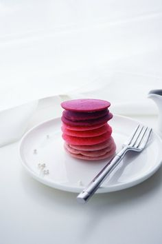 Ombre Pink Pancakes :: Ombre Pancakes - Fun #ValentinesDay breakfast!  Not only are they a beautiful display, they taste yummy too!