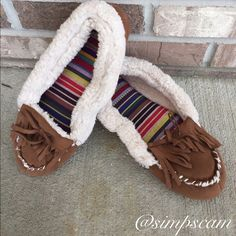 NWOT Slipper shoe moccasins These are NWOT, they are a size 9/10 and just were too snug on my size 10/10.5 foot  they are super cute and very comfy! dearfoams Shoes Moccasins