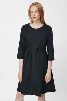 COS | Tie-waist cotton dress