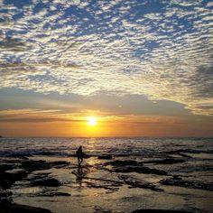 Sunday sunrise. #deewhybeach #beach #ocean #environment #oceanandearth #rockpool #sustainability #thenaturalworld #autumm #lifeisbeautiful #sydney #australia #earth Re-post by Hold With Hope