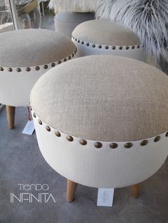 Rustic Puff with Slices Tire Furniture, Diy Furniture Decor, Reupholster Furniture, Diy Furniture Projects, Furniture Makeover, Furniture Design, Furniture Making, Diy Home Crafts, Diy Home Decor