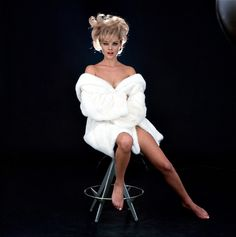 Virna Lisi, How To Murder Your Wife, 1965