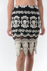Detailed Lace Pencil Skirt