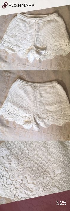 White lace crochet shorts by Abercrombie&Fitch- XS White lace crochet shorts by Abercrombie&Fitch. Size XS. Abercrombie & Fitch Shorts