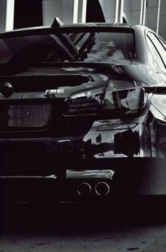 BMW F10 M5 in Metallic Black