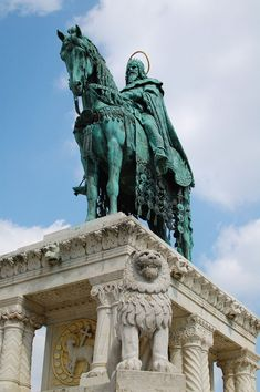 I of Hungary. Istvan,first king of Hungary. Statues of Stephen I of Hungary.by Alajos Hill,Hungary. Age Of King, Grand Prince, Equestrian Statue, Buda Castle, Saint Stephen, Germany And Italy, Travel Around Europe, 11th Century, Catholic Saints