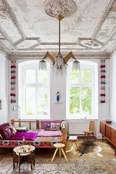 serious goals. vintage eclectic with that amazing art deco chandelier and all that moroccan design. dreamy.
