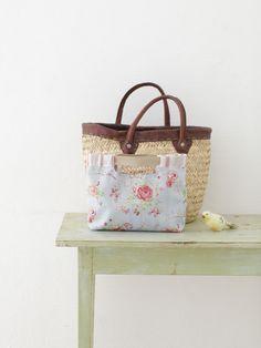 バッグの中をスッキリまとめるバッグインバッグ。/鎌倉スワニーの布で作るバッグ&ポーチ(「はんど&はあと」2012年6月号)