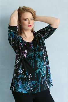 Elegance in a print. #plussizefashion #curvyfashion #ullapopken Curvy Fashion, Plus Size Fashion, Special Events, Special Occasion, Elegant, Knitting, Floral, T Shirt, Clothes