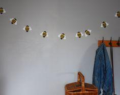 Papier-Biene-Girlande