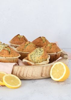 Citroen-maanzaad muffins (Laura's Bakery) Baking Recipes, Snack Recipes, Healthy Recipes, Snacks, Brownie Cake, Brownies, High Tea, Sweet Recipes, A Food