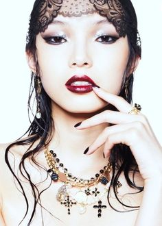 Xiao Wen wearing Dolce&Gabbana jewelry by Stockton Johnson for Vogue China February 2012 Vogue China, Beauty Editorial, Editorial Fashion, Beauty Photography, Fashion Photography, Editorial Photography, Monolid Makeup, Foto Fashion, Asian Fashion