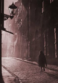 Piwna>>Wrong time period, but this reminds me of Sydney roaming the streets at night. Jewish Ghetto, Central And Eastern Europe, Dark Tattoo, Warsaw Poland, The Beautiful Country, Lost City, Photo Black, City Photography, Old Photos
