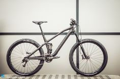 The new Canyon Spectral CF is over 600g lighter than the aluminium version, coming in at 12kg.