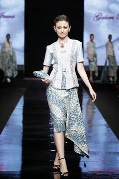 kebaya modern simple elegan