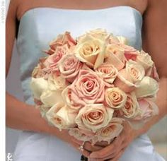 light pink wedding bouquet for the bride