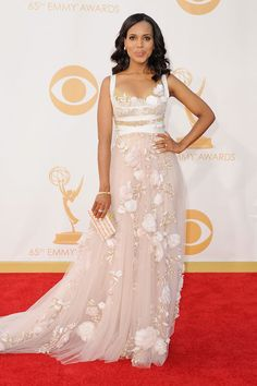 Kerry Washington opted for Olivia Pope, Marchesa white #Emmys