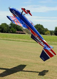 Pilot RC Extra 300 in a Hover #radiocontrolairplanes