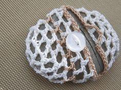 Centi bastelt: Stein, Metall und Baumwollgarn