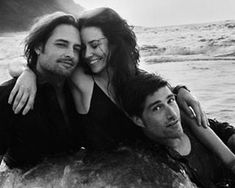 Josh Holloway, Evangeline Lilly e Matthew Fox di Lost posano per Vanity Fair Matthew Fox, Evangeline Lilly, Serie Lost, Josh Holloway, Im Lost, Lost Love, Vanity Fair, Sons Of Anarchy, Lost Tv Show