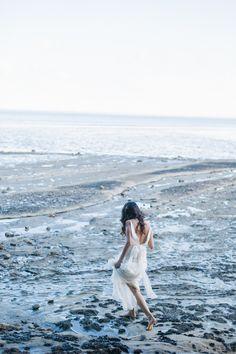 Photography: Caron Nicole Photography - www.caronnicolephoto.com/  Read More: http://www.stylemepretty.com/australia-weddings/2014/06/20/romantic-beach-bridal-inspiration/