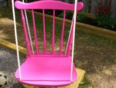 DIY swing from an old chair. Pallet Swing Beds, Diy Swing, Diy Furniture Projects, Diy Projects, Group Projects, Homemade Swing, Swinging Chair, Chair Swing, Porch Swing