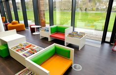 √ Modern, simple and minimalist children's library design inspiration Classroom Furniture, Library Furniture, School Furniture, Furniture Design, Children Furniture, Public Library Design, School Library Design, Kids Library, School Libraries
