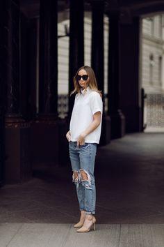 WHITE COLLAR//Lisa O