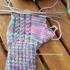 FitzBirch Crafts: Cabled Fingerless Mittens