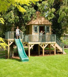 Side platform with slide Childrens Garden Tree House Modern Playhouse, Garden Playhouse, Wooden Tree House, Modern Architectural Styles, Wendy House, Uk Homes, Play Houses, Tree Houses, Garden Trees