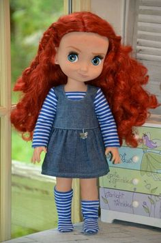 The matching sox and tee make it special as does the charm. Disney Toddler Dolls, Disney Princess Dolls, Disney Dolls, Pretty Dolls, Cute Dolls, Beautiful Dolls, Disney Babys, Baby Disney, Disney Animators Collection Dolls
