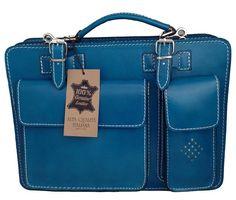Splendida borsa organizer in vera pelle di colore blu da uomo. Scopri tutti i modelli di borse portatutto da uomo a prezzo scontato su: http://www.bag-chic.com/borse-organizer-portatutto-uomo/ #borse #moda #fashion #style #lifestyle #madeinitaly
