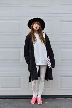 "igotamodel: ""Lee Sungkyung @ FLEA 4EVA Market ""이성경❤ Japanese Street Fashion, Asian Fashion, Girl Fashion, Lee Sung Kyung Fashion, Red Checkered Shirt, Krystal Jung Fashion, Street Style Magazine, Ulzzang Fashion, Korean Actresses"