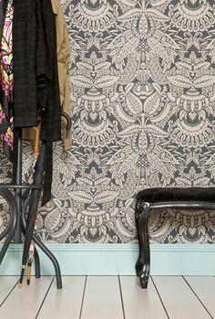 Komplexes Schwarzweiß-Muster: Tapete Orangerie von Farrow & Ball #klassisch #britisch #diele #flur #schlafzimmer