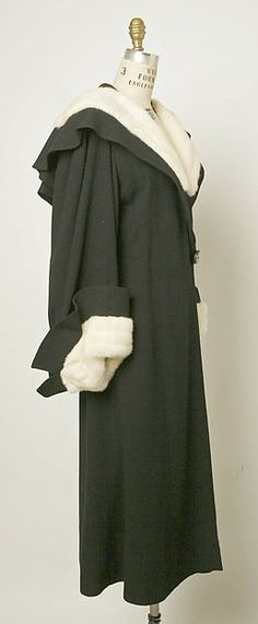 Coat (image 2) | Attributed to Madeleine Vionnet | French | 1933 | wool, fur | Metropolitan Museum of Art | Accession Number: 1982.422.3