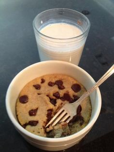 Low Carb Deep Dish Chocolate Chip Cookie. Photo by Summers