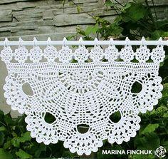 Шторки-zazdrostki «Маргаритки» Занавески связаны крючком из хлопка тёплого белого цвета. Оформления верха милыми цветочками придаёт петлям для навески романтичный внешний вид. Высота изделия 27 см, ширина 40 см.