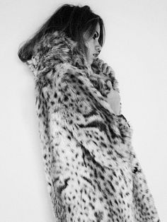 Leopard print fur coat - so much glam Looks Street Style, Looks Style, Style Me, Daily Style, Celeb Style, Fur Fashion, Look Fashion, Fashion Models, Street Fashion