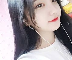 Images and videos of ulzzang girl Pretty Korean Girls, Cute Korean Girl, Pretty Asian, Cute Asian Girls, Beautiful Asian Girls, Cute Girls, Jung So Min, Korean Beauty, Asian Beauty