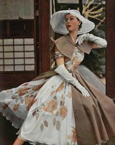L'officiel de la mode 1953. Madame Gres.