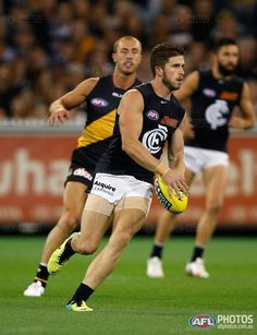 Marc Murphy against the Tigers. Round 2, 2014.