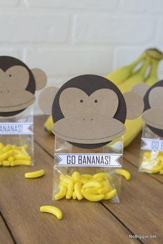 DIY Monkey Party Favors - Safari party favors We are celebrating a jungle party for the children& birthday party and ar - Monkey Party Favors, Safari Party Favors, Monkey Birthday Parties, Baby Shower Party Favors, Baby Favors, Curious George Party, Curious George Birthday, Jungle Theme Parties, Jungle Theme Birthday