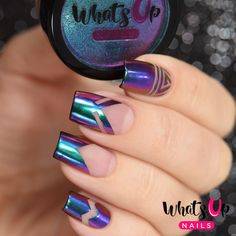 Add this fabulous mica powder to your nails to give you a little bit of paradise, a multi chrome effect of turquoise, purple, pink and gold. Weight: 1 gram