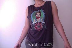 Modelo Chica Conejo Tattoo. Haz tu pedido en: http://es.dawanda.com/shop/La-Chica-Conejo  Te conseguiremos a tu gusto la camiseta, haremos a mano el diseño y te lo enviaremos a casa. Envio gratuito. ¡¡Todo esto por un precio por introducción de 19.95€!!  Rabbëats By la Chica Conejo© Camisetas Diseñadas a mano. Product with Love <3 © Rabbëats By La Chica Conejo 2013