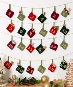 Advent Calendar Gift Pockets Knitting Pattern  #knit  #christmas