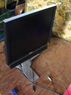 DELL 17 INCH  1708FPT MONITOR WITH SOUND BAR.  Swivel adjustable stand