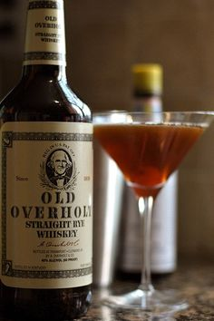 7 Classic Cocktails Every Gentleman Should Know